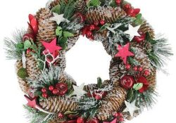 Fabulous Christmas Pine Cone Decorations 44