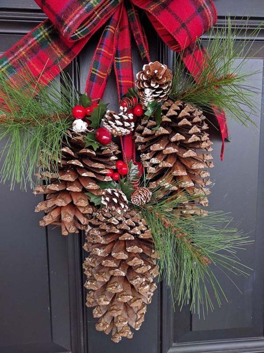 Fabulous Christmas Pine Cone Decorations 46