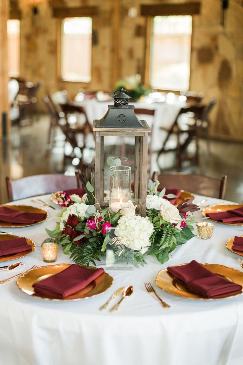 Fabulous Winter Lantern Centerpieces Ideas 26