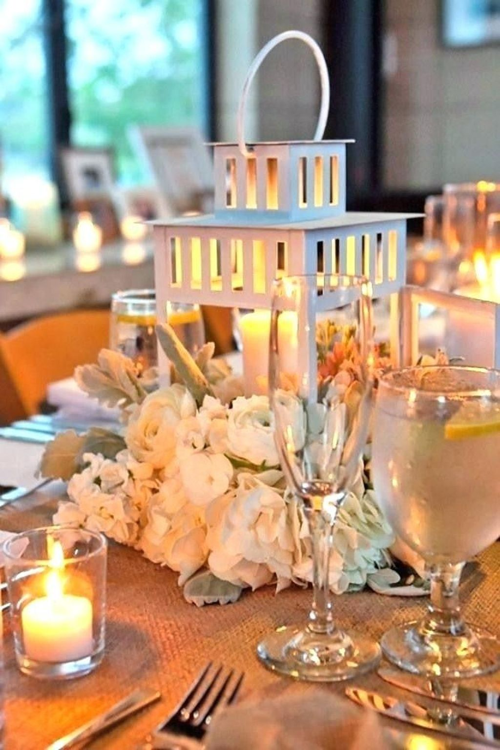 Fabulous Winter Lantern Centerpieces Ideas 38