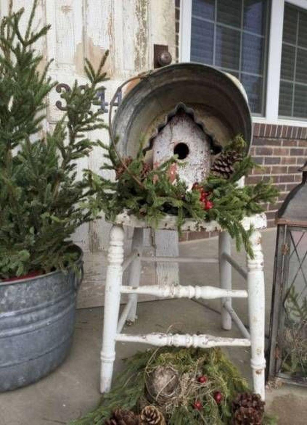 Gorgeous Winter Porch Decor Ideas 09