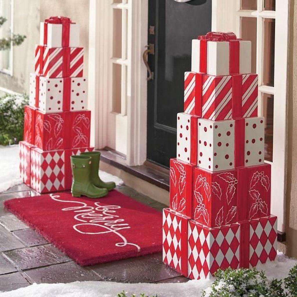 Gorgeous Winter Porch Decor Ideas 15