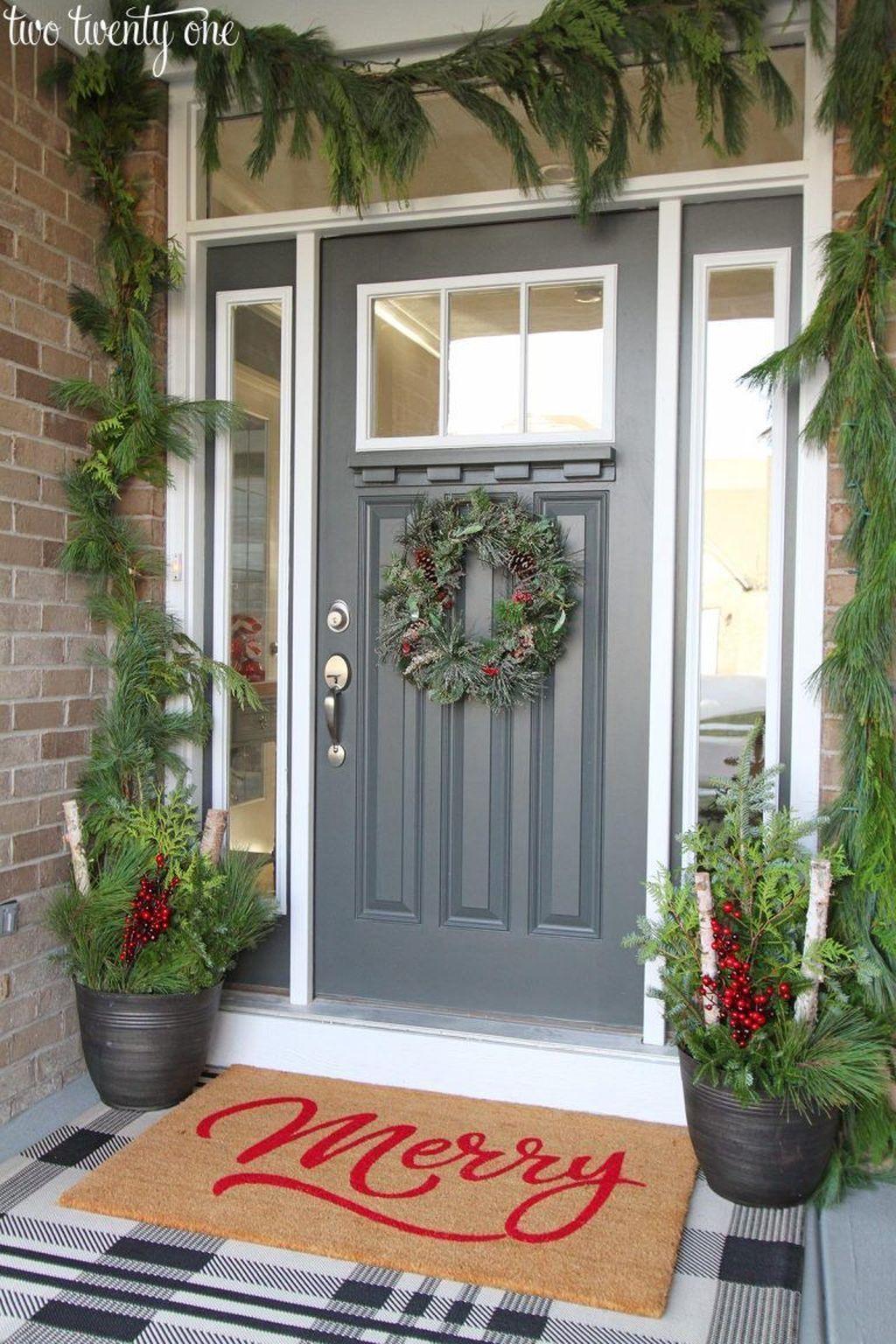 Gorgeous Winter Porch Decor Ideas 21