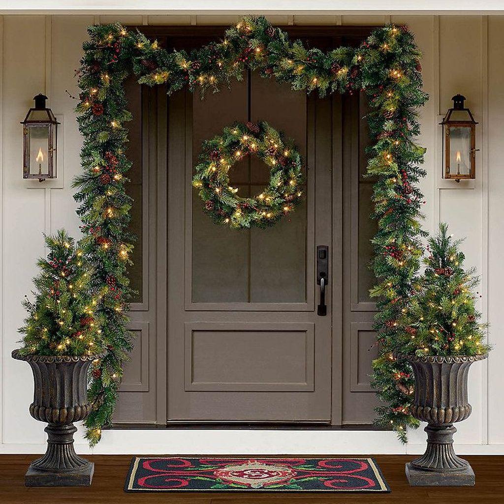 Gorgeous Winter Porch Decor Ideas 22