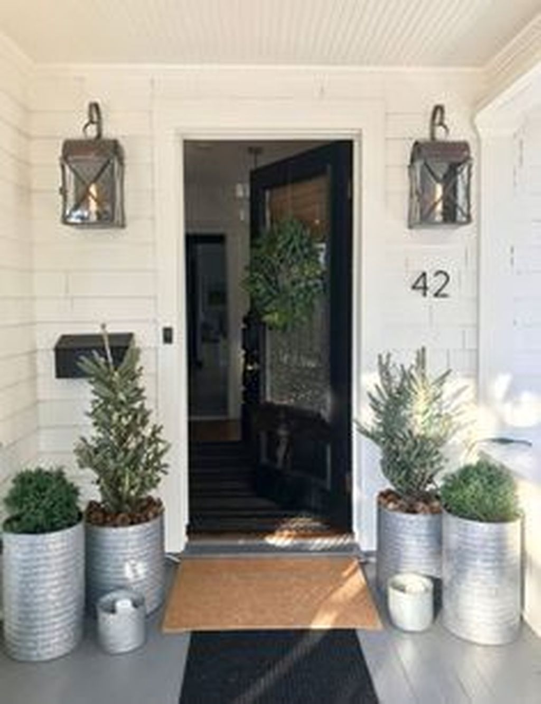 Gorgeous Winter Porch Decor Ideas 37