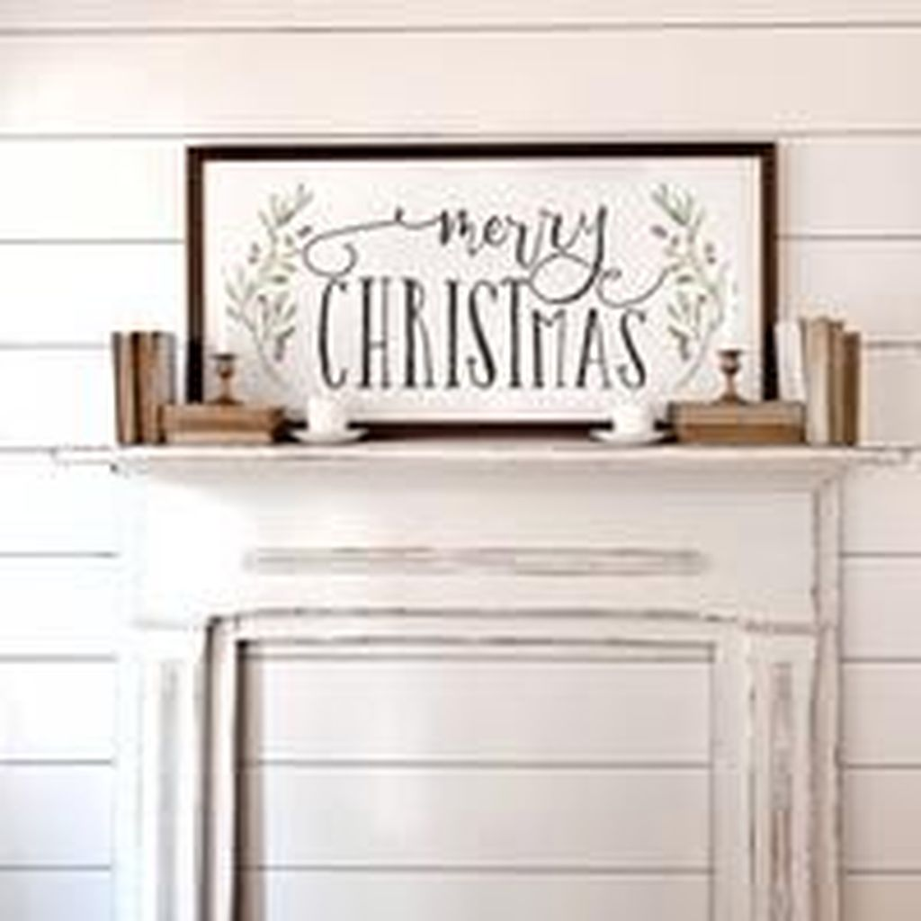 Lovely Christmas Wall Decor Ideas For Your Homes 10