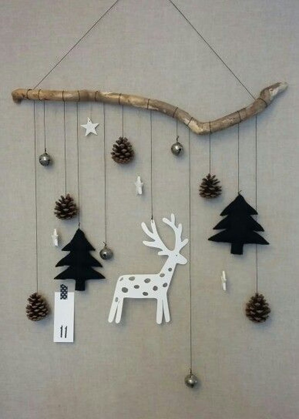 Lovely Christmas Wall Decor Ideas For Your Homes 14