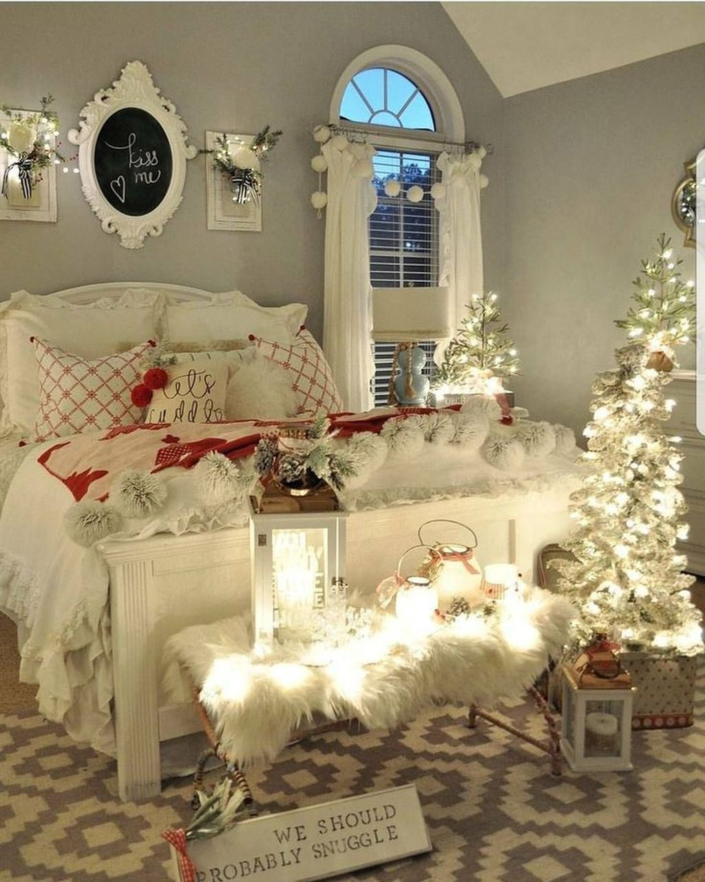 Lovely Winter Wonderland Home Decoration Ideas Look Beautiful 14