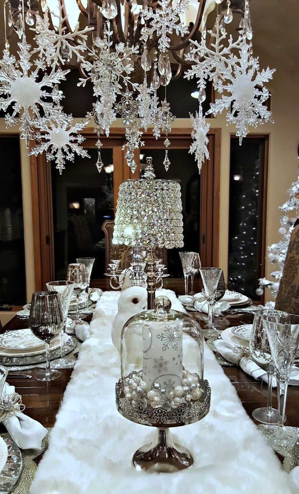 Lovely Winter Wonderland Home Decoration Ideas Look Beautiful 16