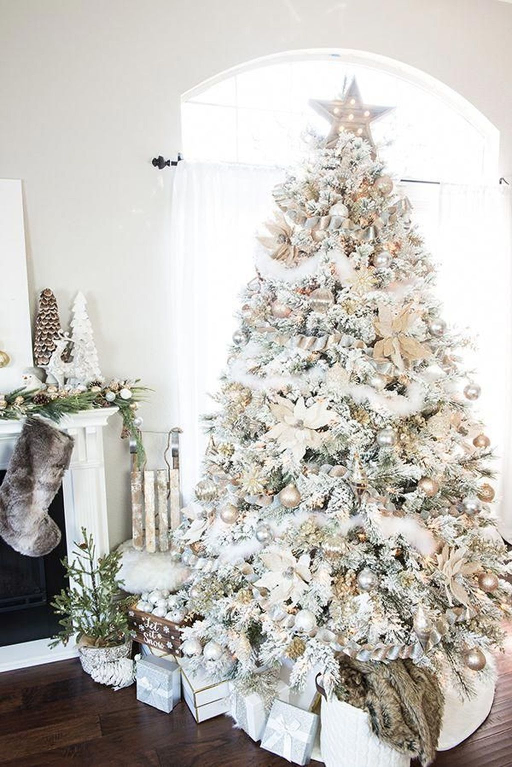 Lovely Winter Wonderland Home Decoration Ideas Look Beautiful 19