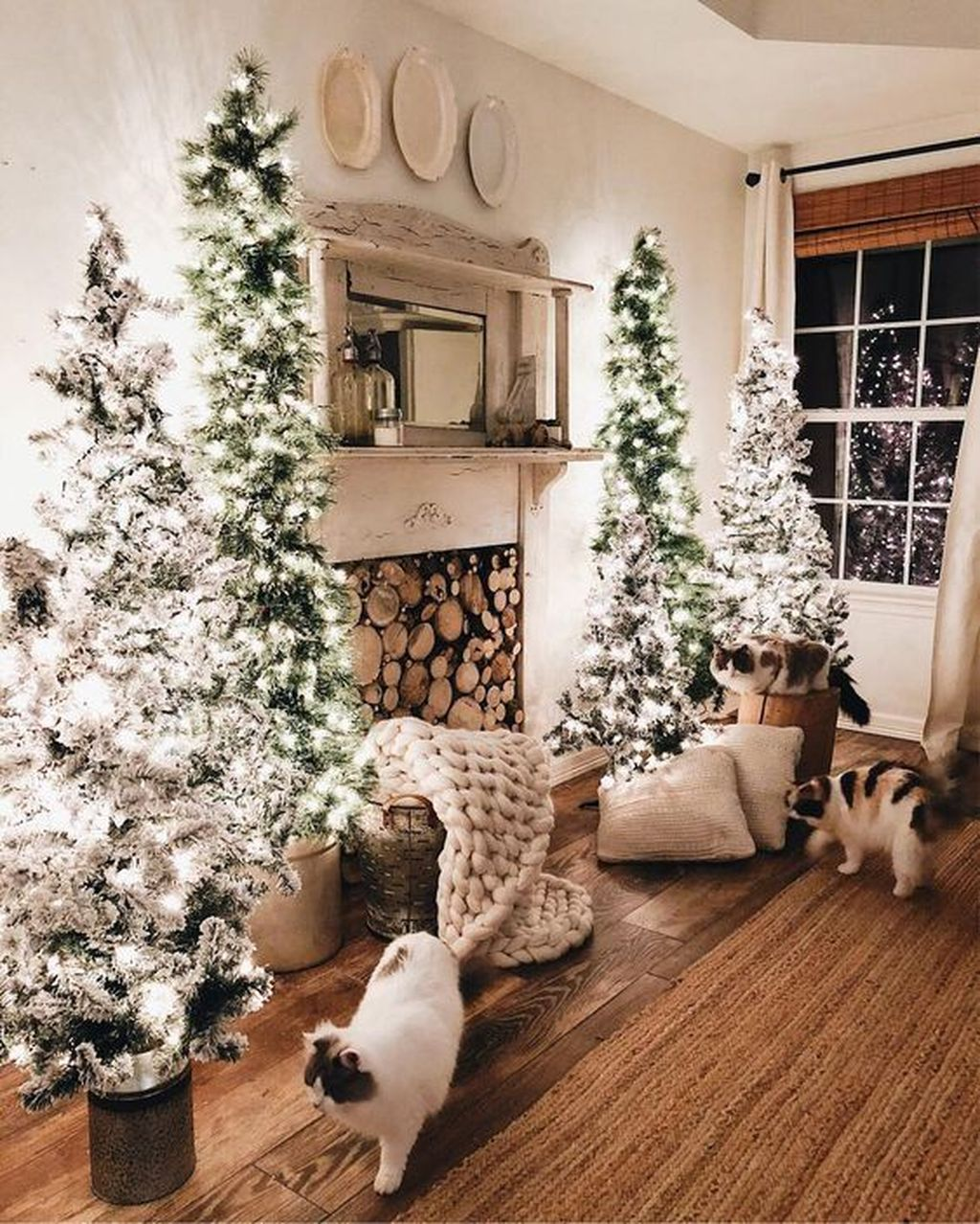 Lovely Winter Wonderland Home Decoration Ideas Look Beautiful 25