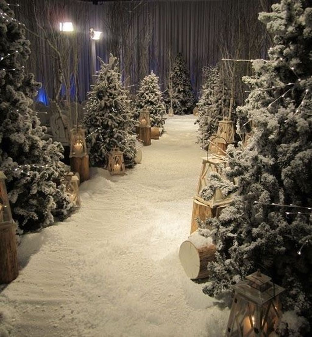 Lovely Winter Wonderland Home Decoration Ideas Look Beautiful 30