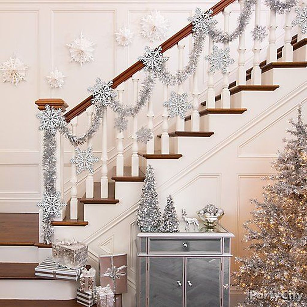 Lovely Winter Wonderland Home Decoration Ideas Look Beautiful 37