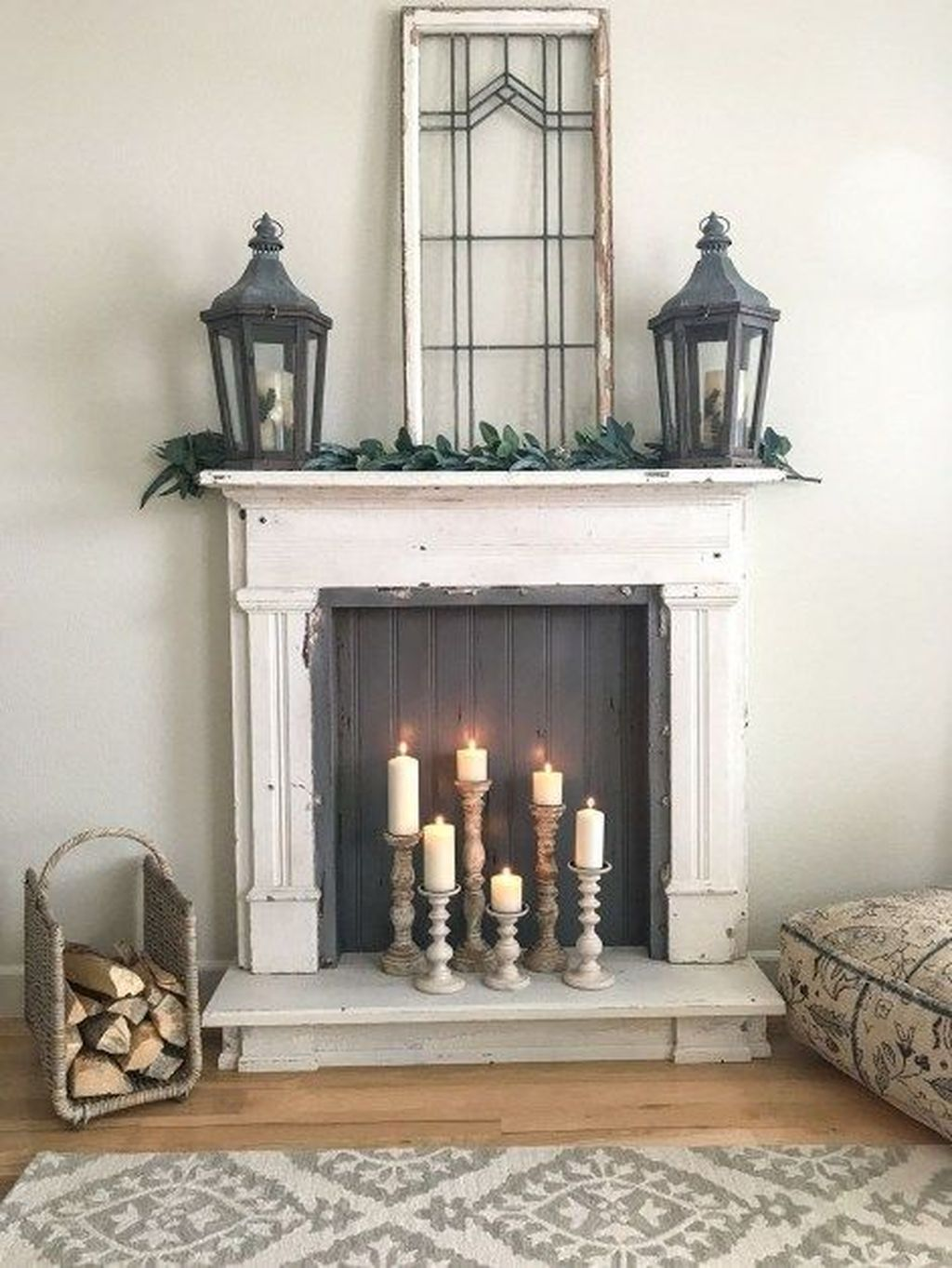 Nice Fireplace Decor Ideas Best For Wintertime 25 - PIMPHOMEE