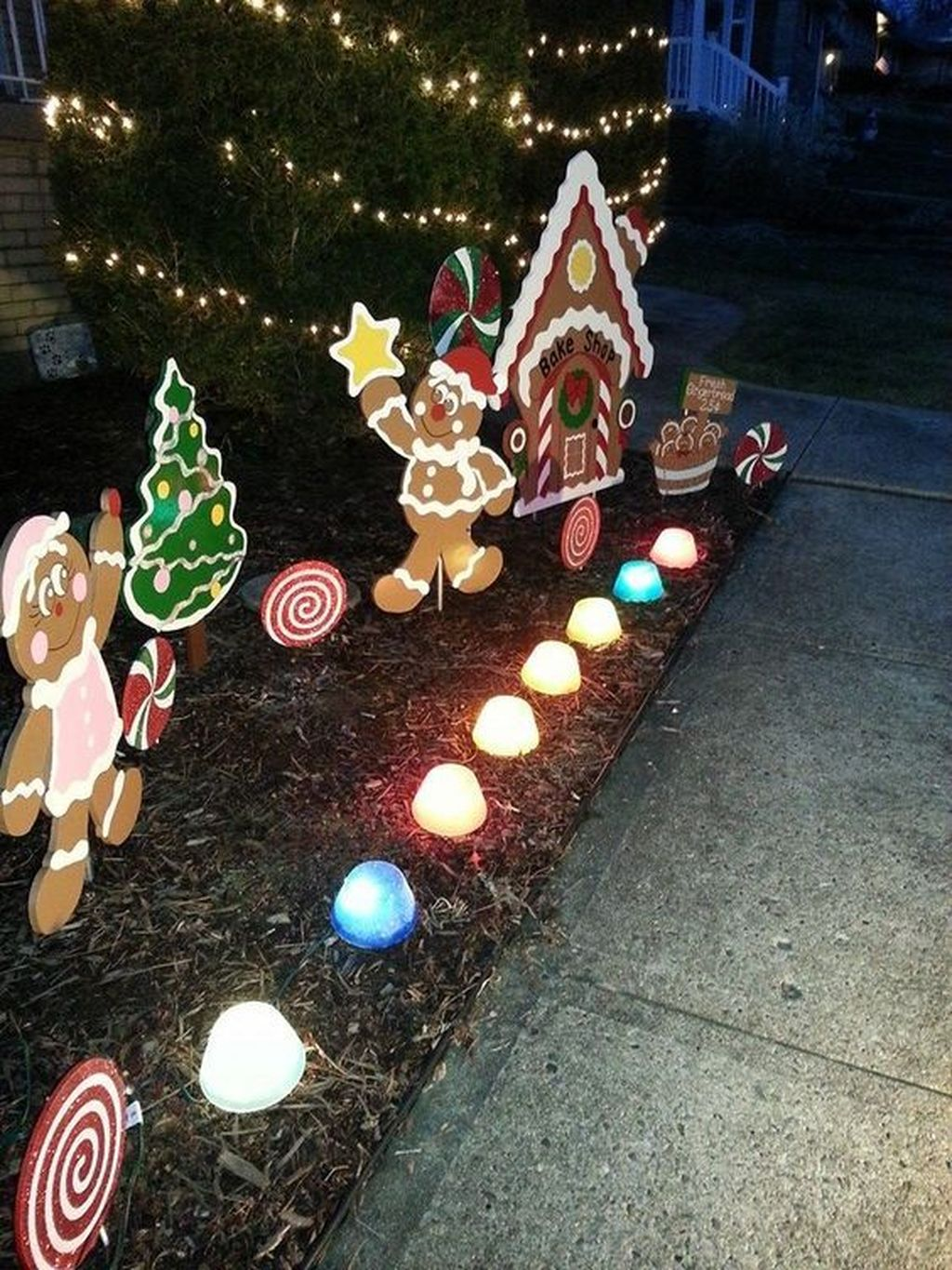 Nice Outdoor Christmas Decorations Perfect For This Winter 23