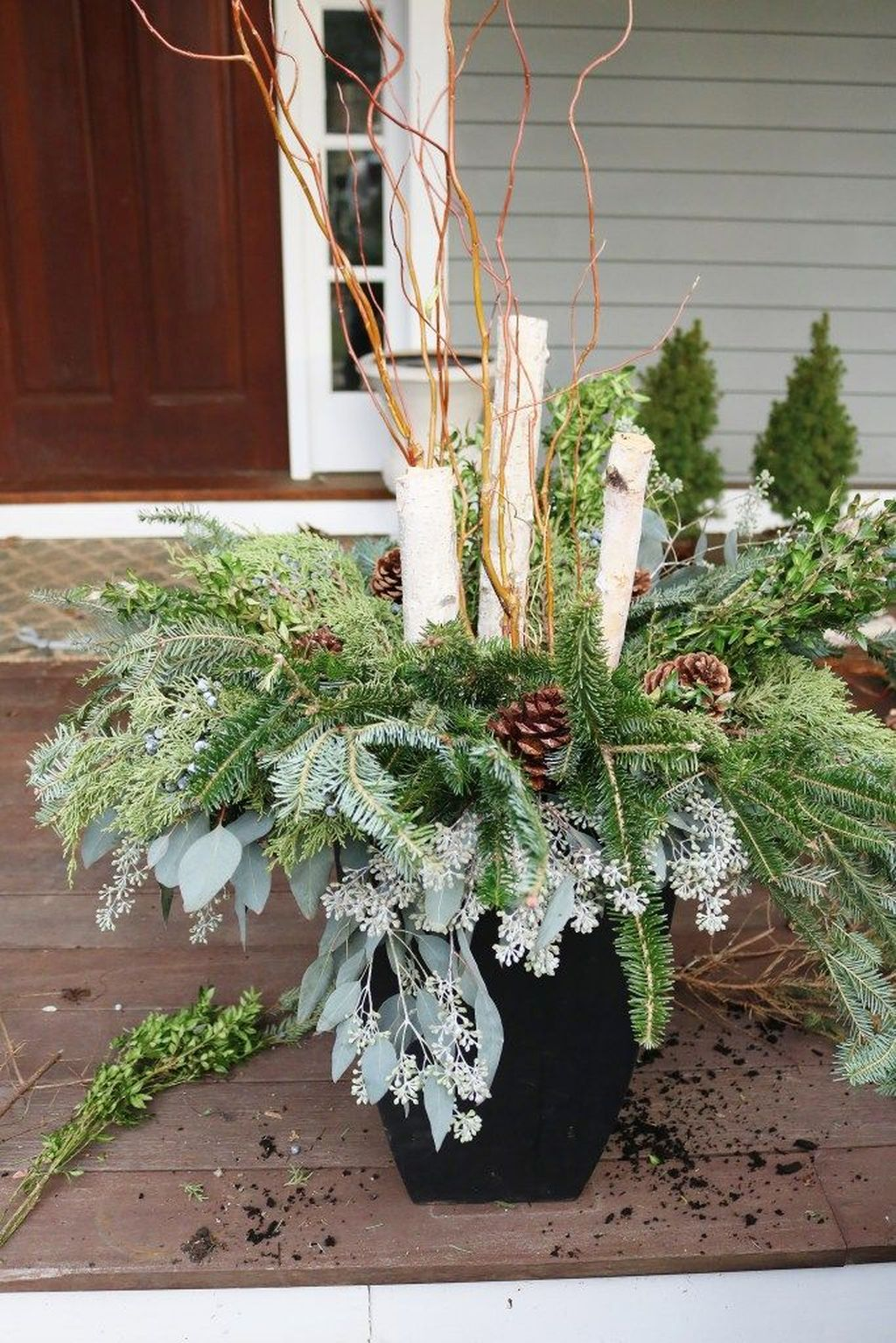 Perfect Outdoor Winter Planters Ideas 08