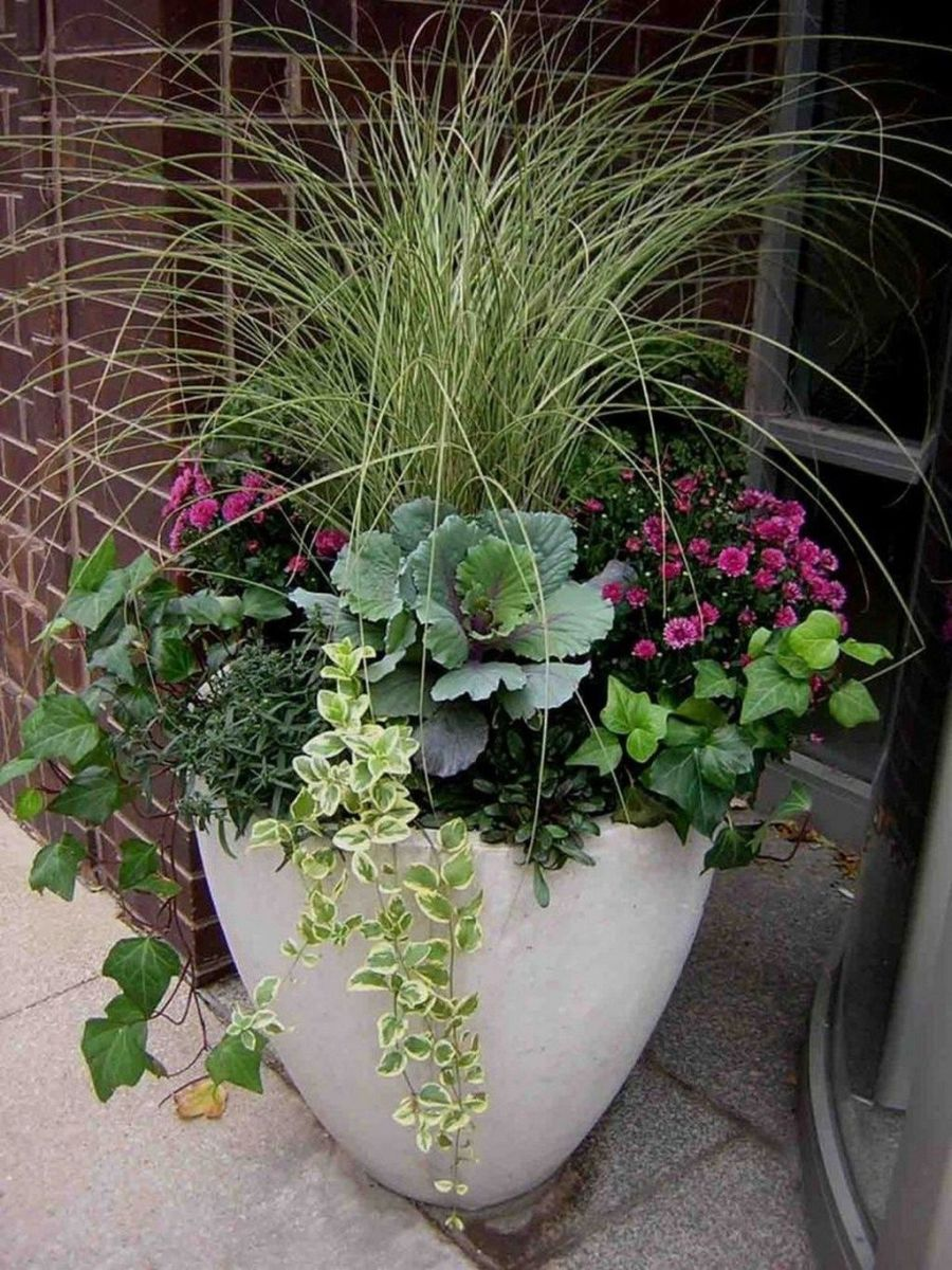 Perfect Outdoor Winter Planters Ideas 29