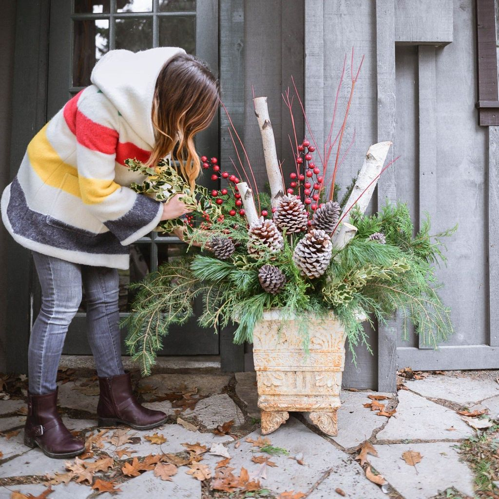 Perfect Outdoor Winter Planters Ideas 41