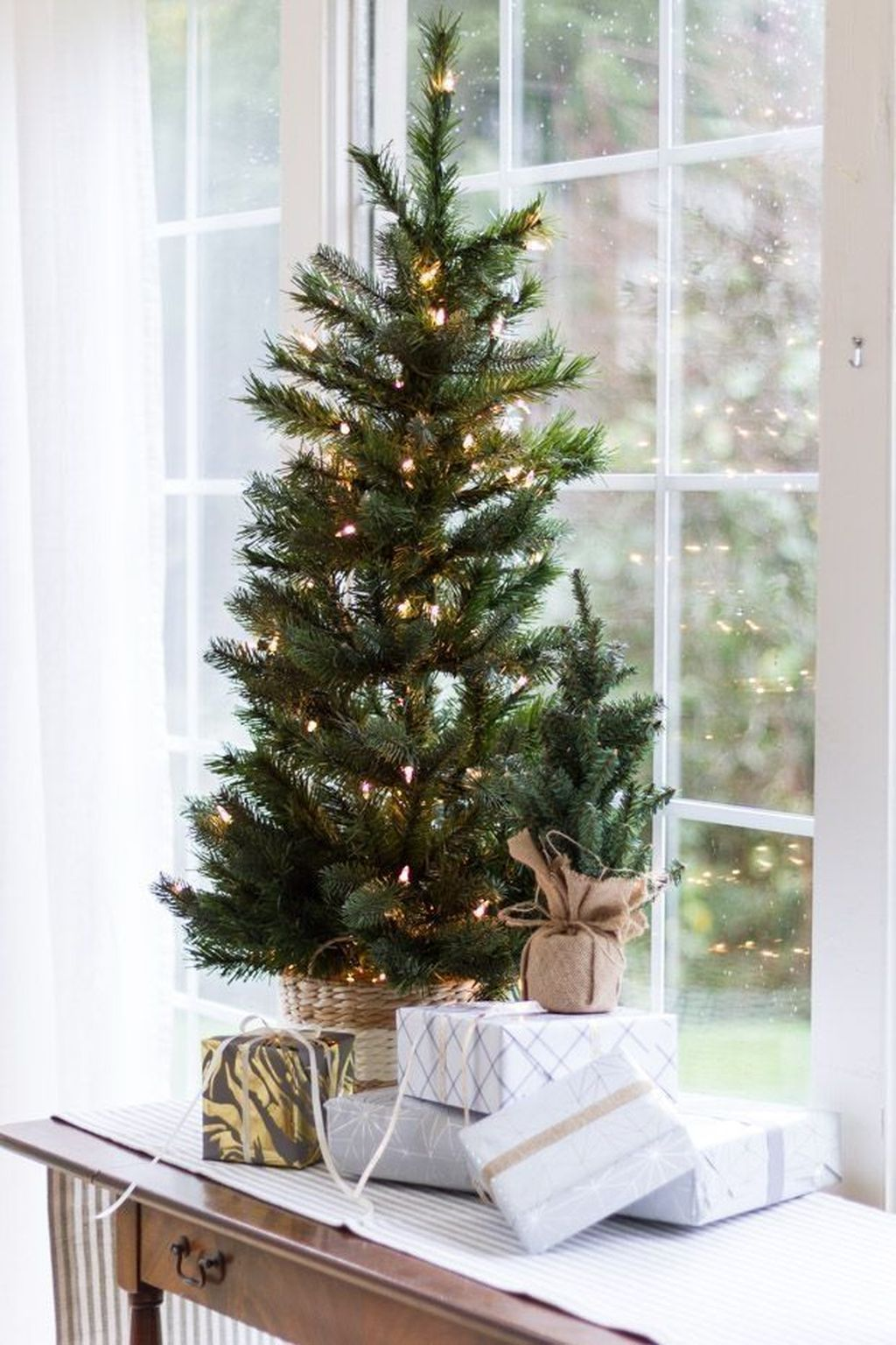 Popular Christmas Theme Apartment Decorations 15