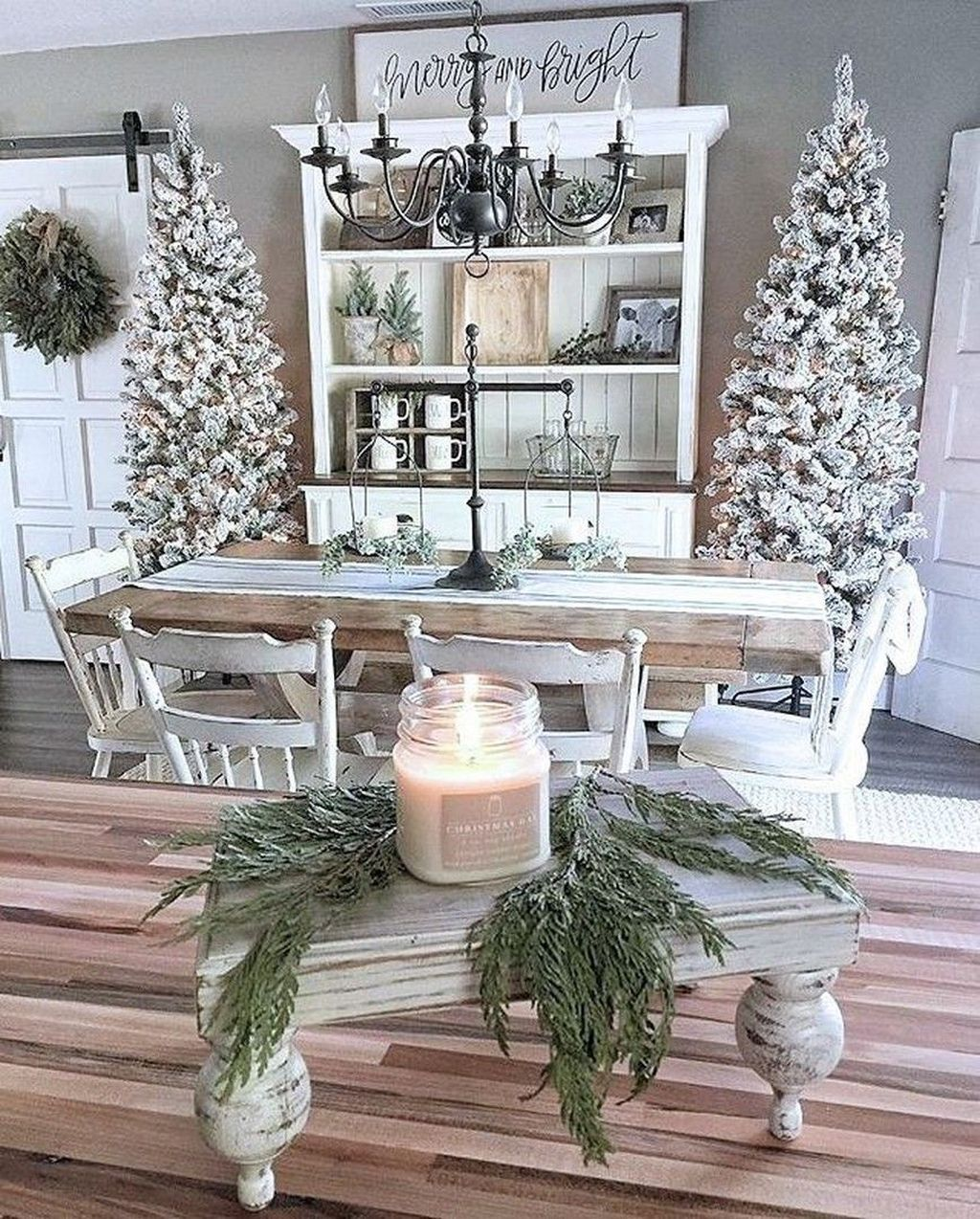 Popular Christmas Theme Apartment Decorations 33