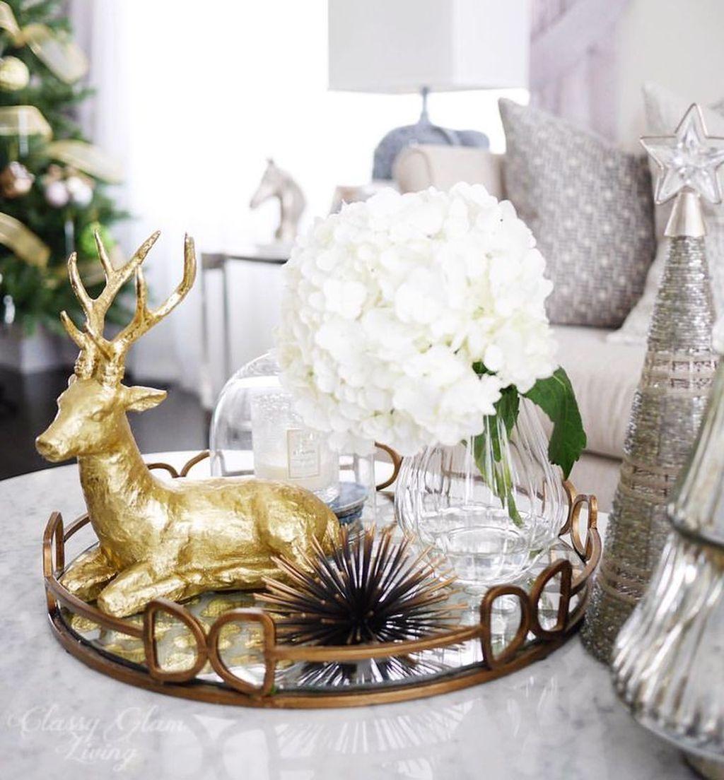 Popular Christmas Theme Coffee Table Decoration Ideas 20