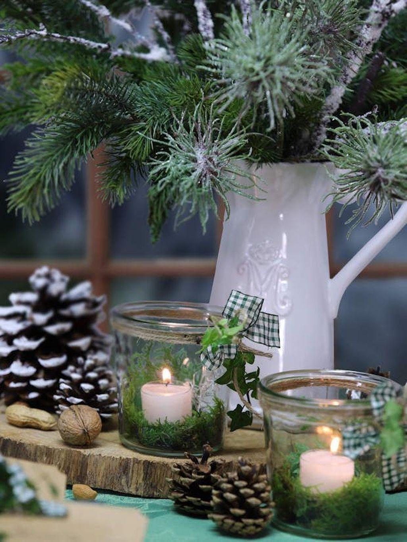 Popular Christmas Theme Coffee Table Decoration Ideas 25