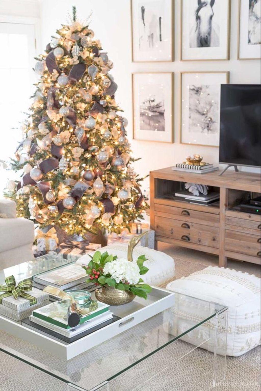 Popular Christmas Theme Coffee Table Decoration Ideas 37