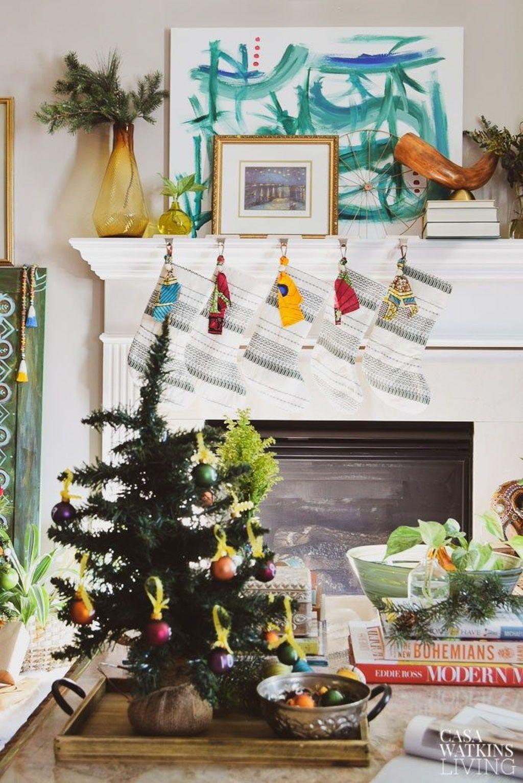 Popular Christmas Theme Coffee Table Decoration Ideas 42