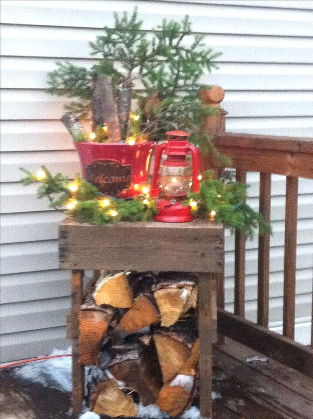 Popular Rustic Winter Porch Decoration Ideas 05