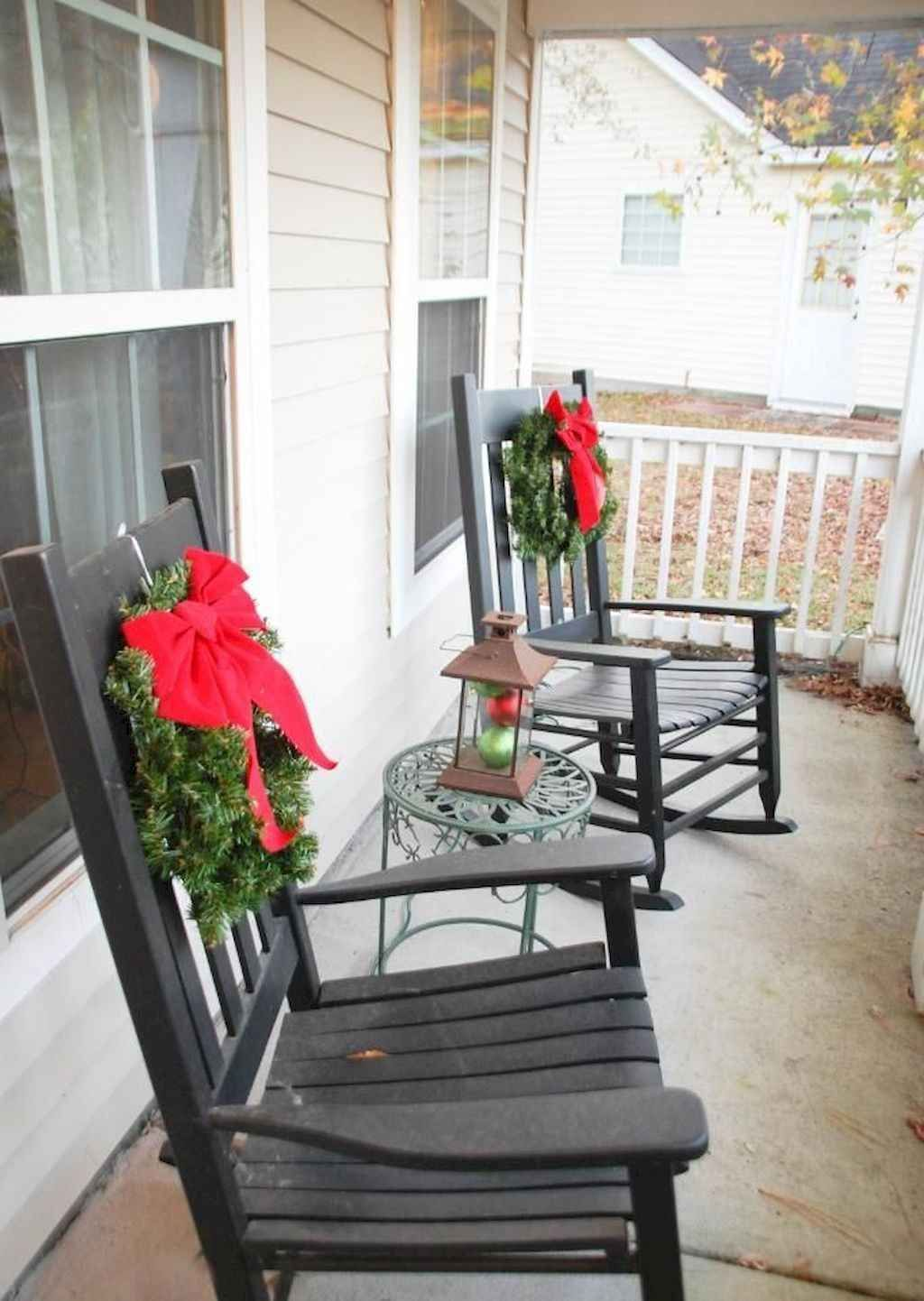 Popular Rustic Winter Porch Decoration Ideas 11