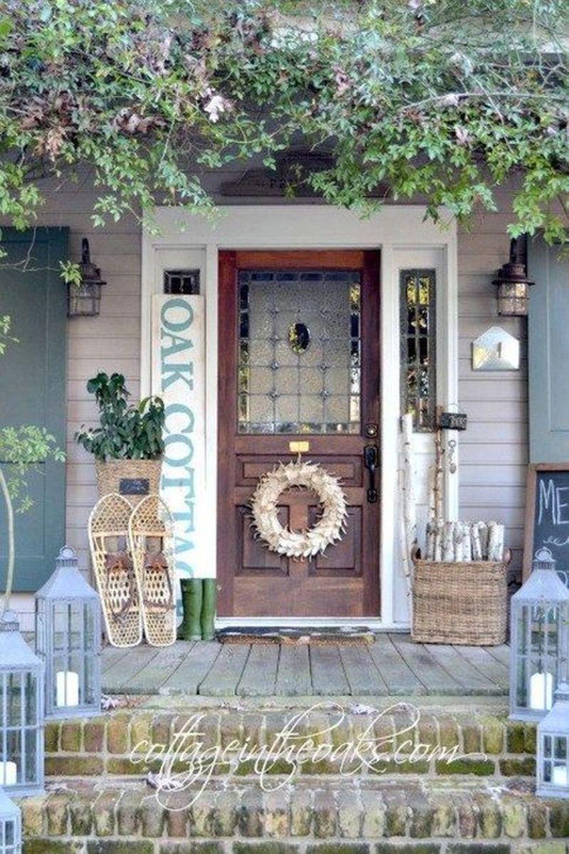 Popular Rustic Winter Porch Decoration Ideas 17