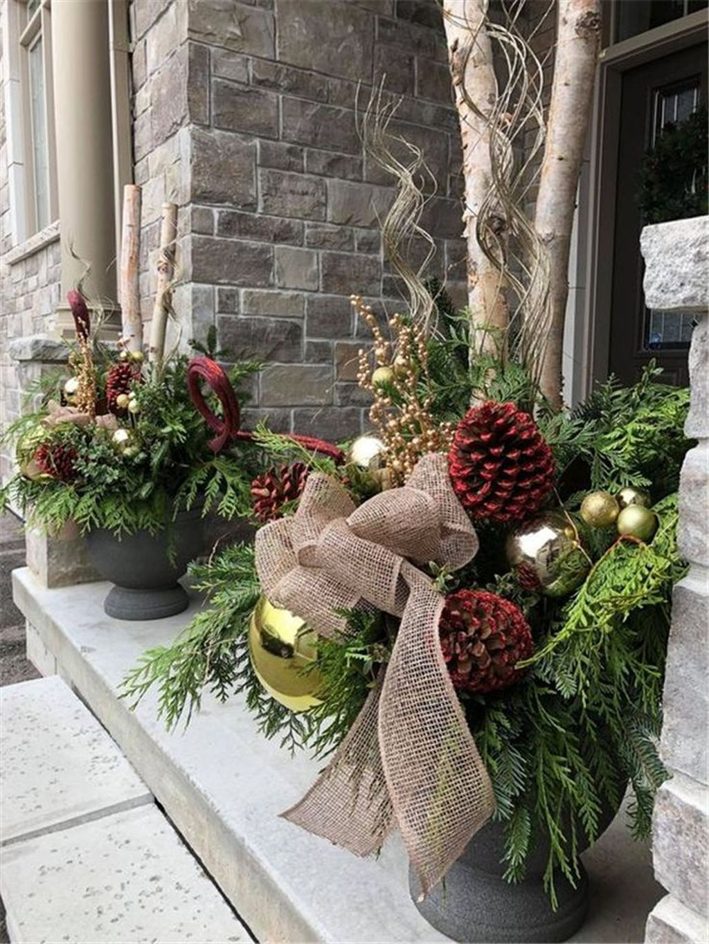 Popular Rustic Winter Porch Decoration Ideas 33