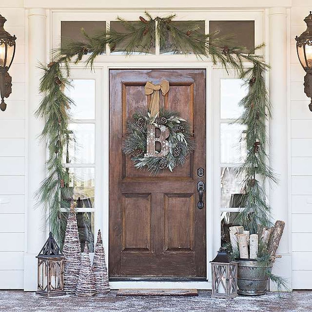 Popular Rustic Winter Porch Decoration Ideas 34