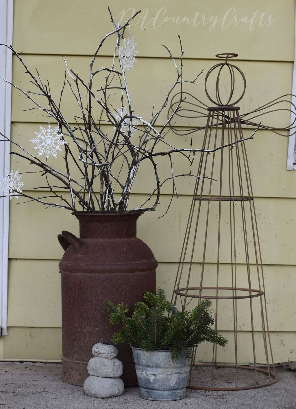 Popular Rustic Winter Porch Decoration Ideas 48