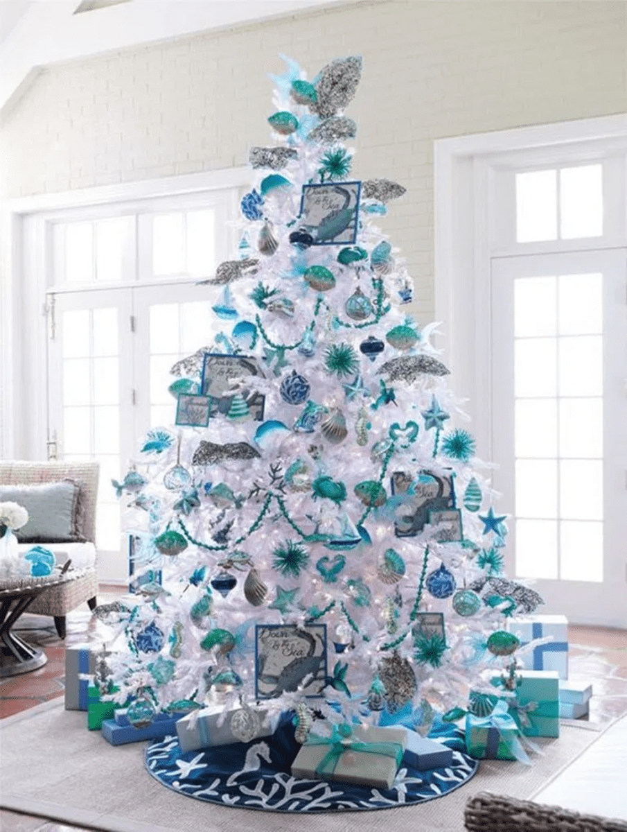 Stunning White Christmas Tree Ideas To Decorate Your Interior 12