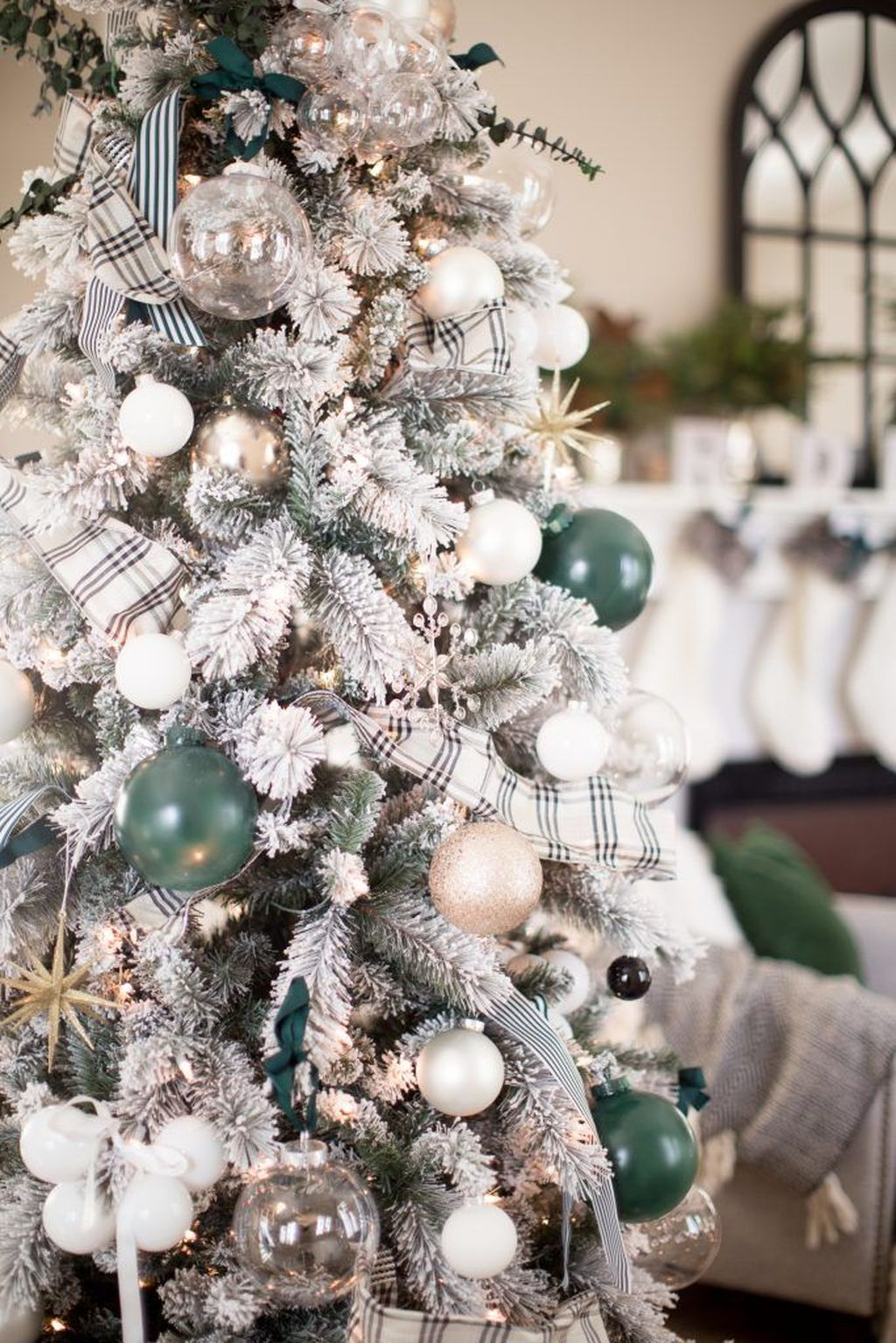 Stunning White Christmas Tree Ideas To Decorate Your Interior 43