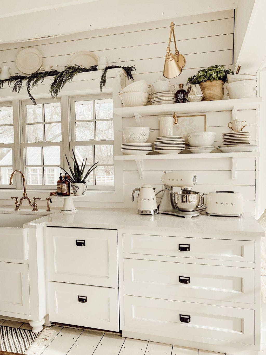Stunning Winter Theme Kitchen Decorating Ideas 02