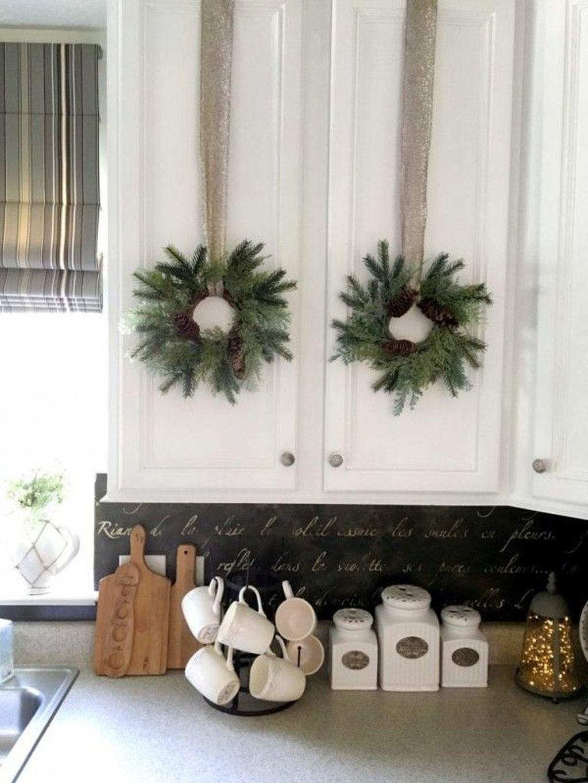 Stunning Winter Theme Kitchen Decorating Ideas 06