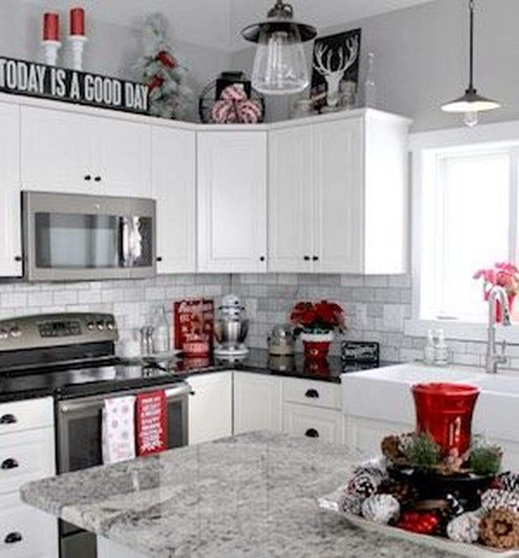 Stunning Winter Theme Kitchen Decorating Ideas 07
