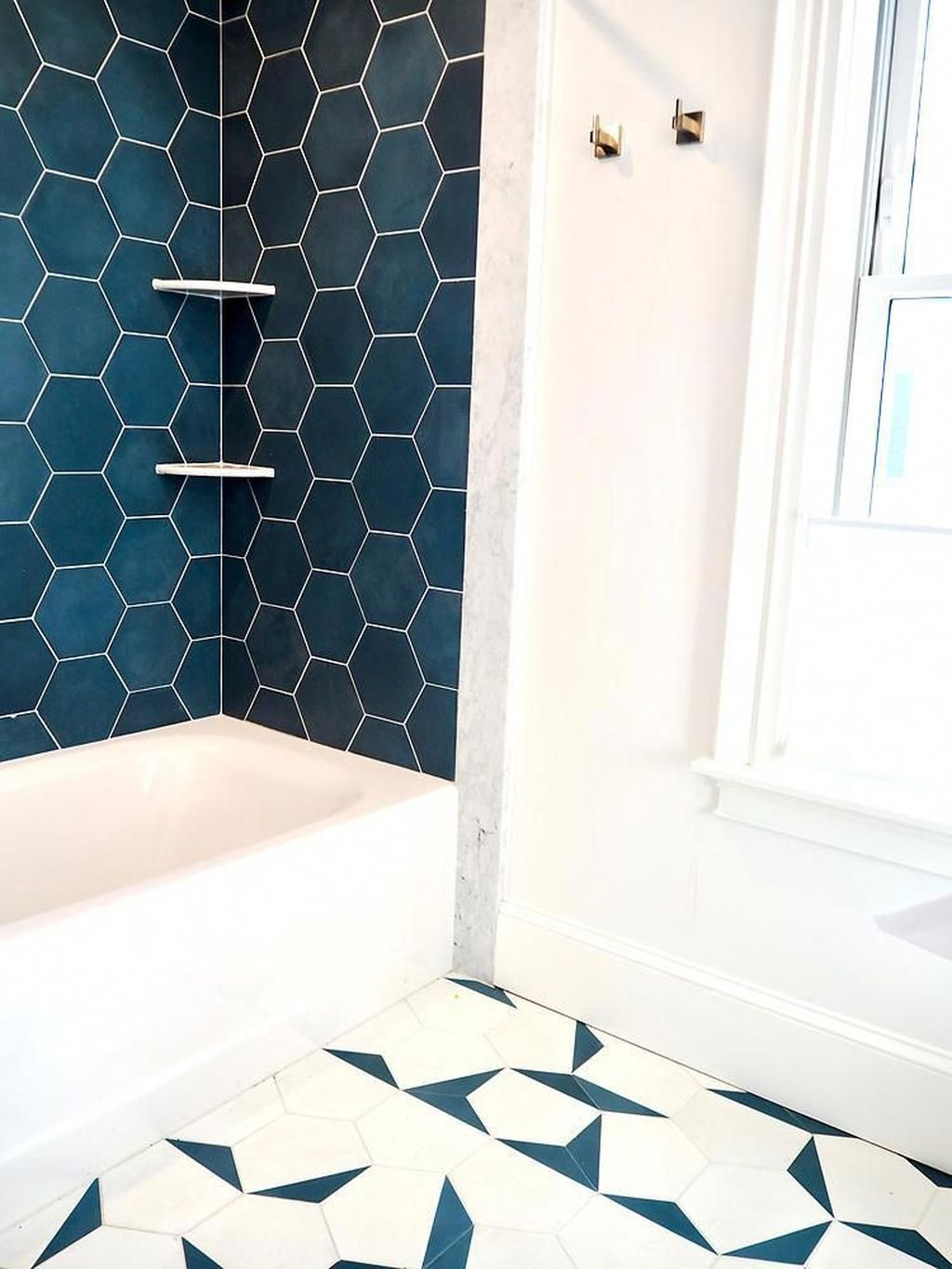 Inspiring Bathroom Tile Showers Design Ideas 25