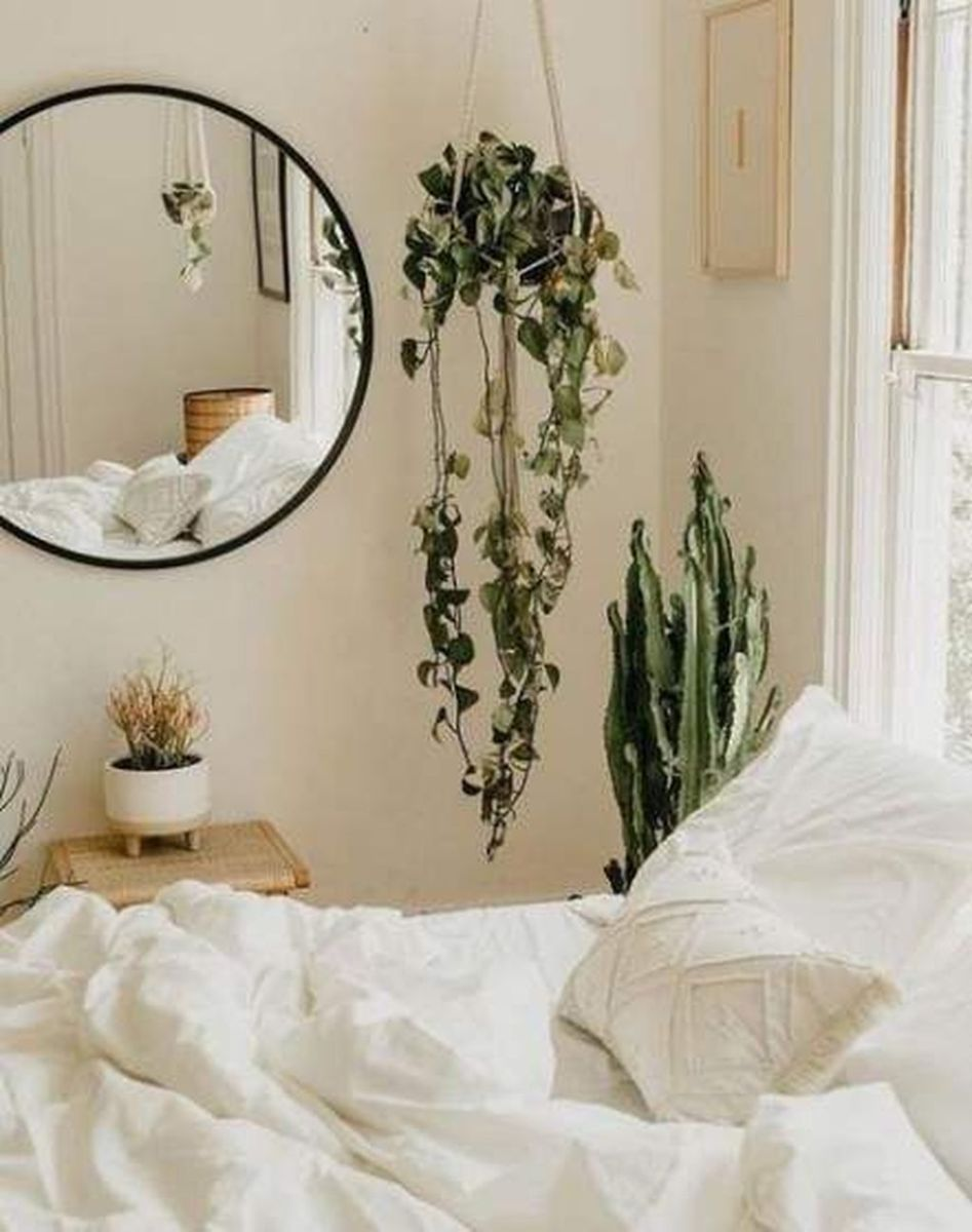 Lovely Bedroom Decor With Plant Ideas 12