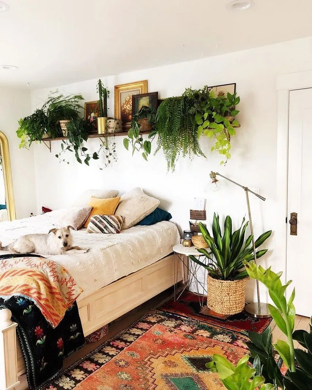 Lovely Bedroom Decor With Plant Ideas 18