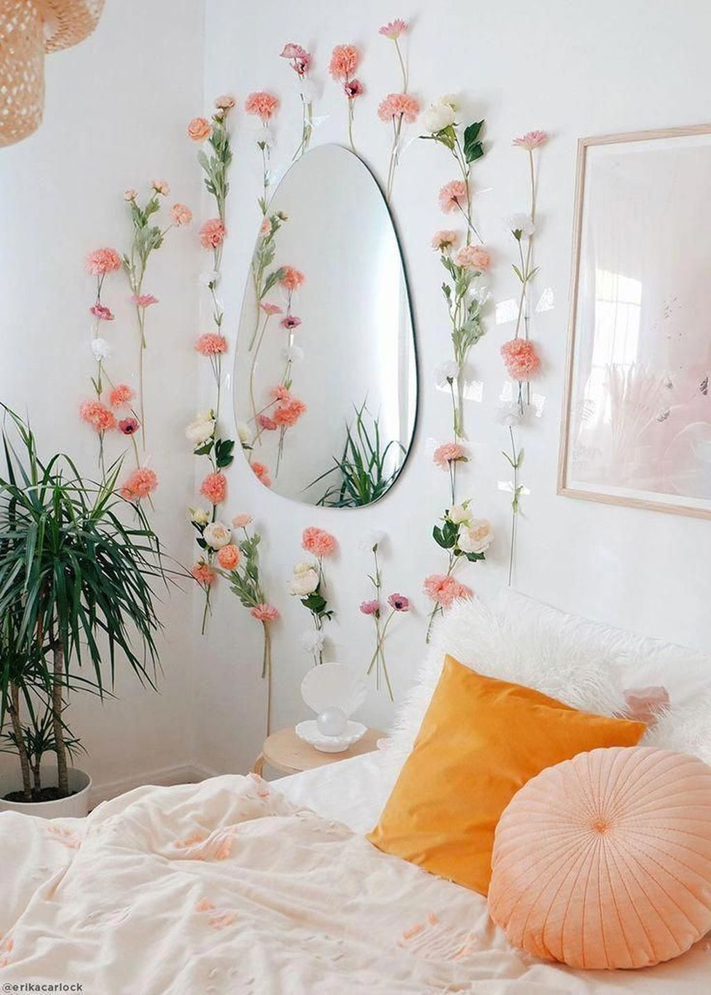Lovely Bedroom Decor With Plant Ideas 25
