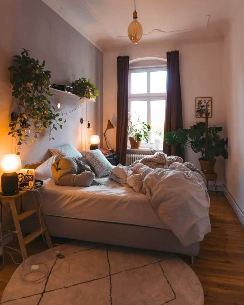 Lovely Bedroom Decor With Plant Ideas 30