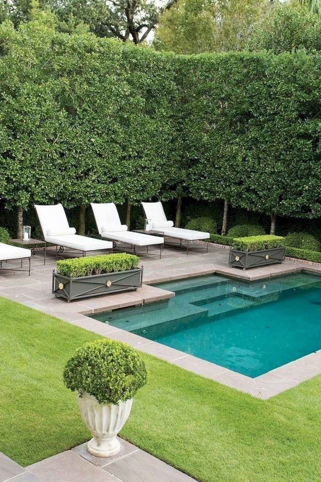 Lovely Swimming Pool Garden Ideas To Get Natural Accent 20