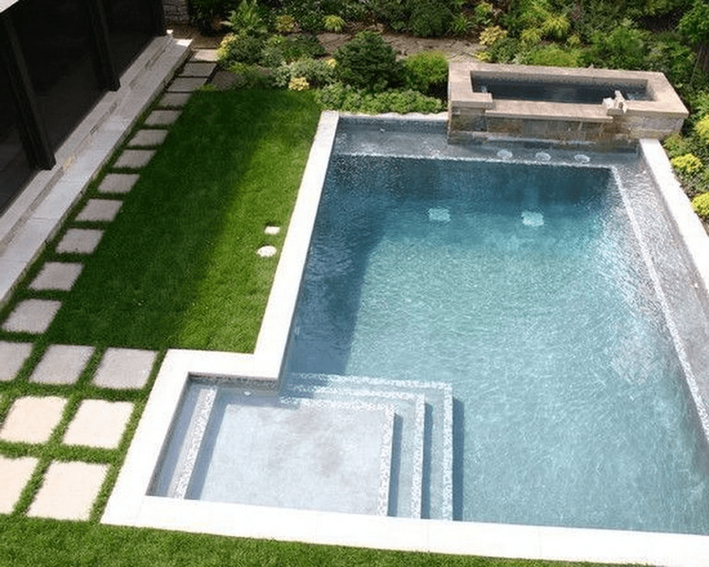 Lovely Swimming Pool Garden Ideas To Get Natural Accent 28