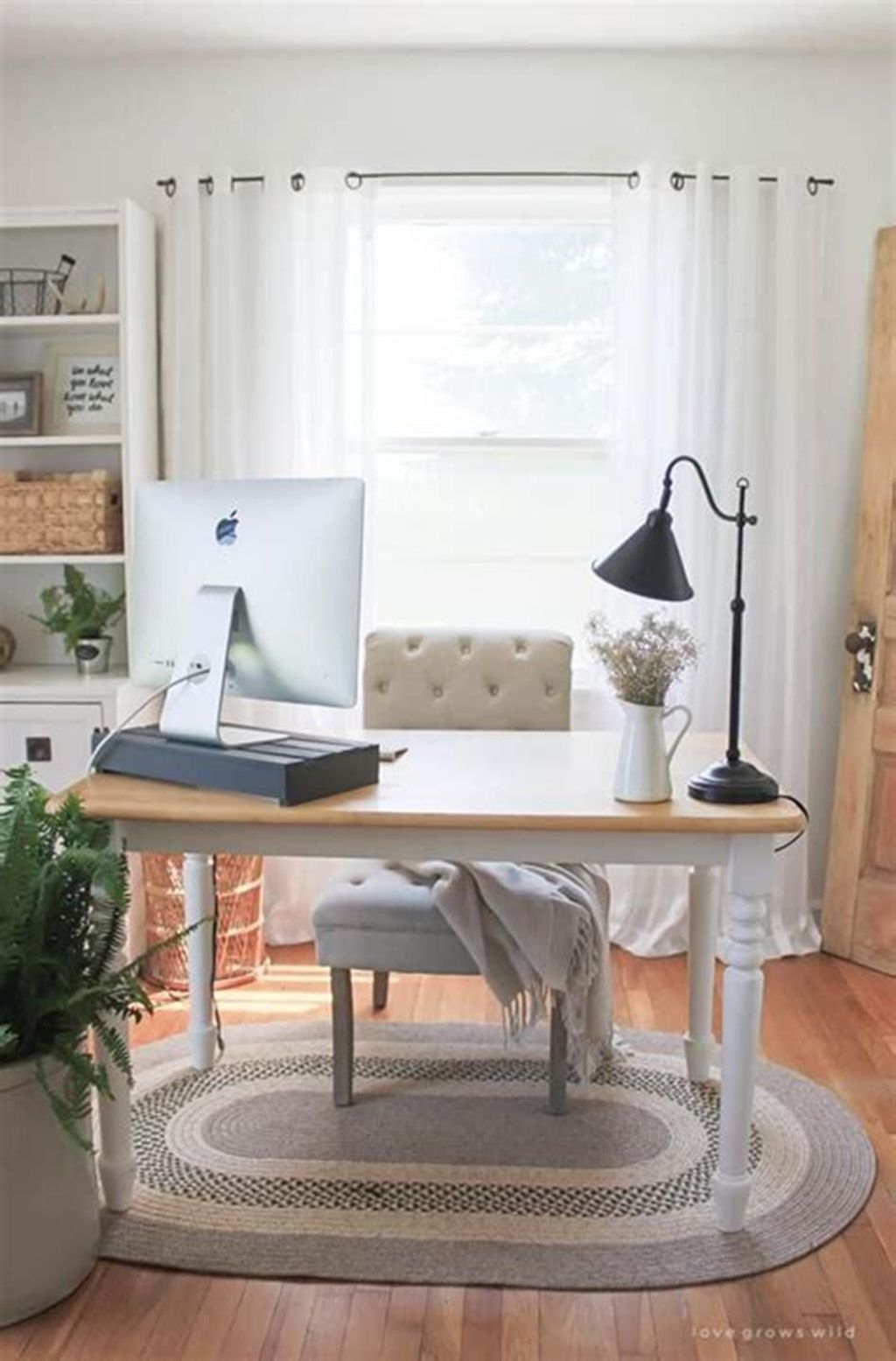 Nice Small Home Office Design Ideas 08