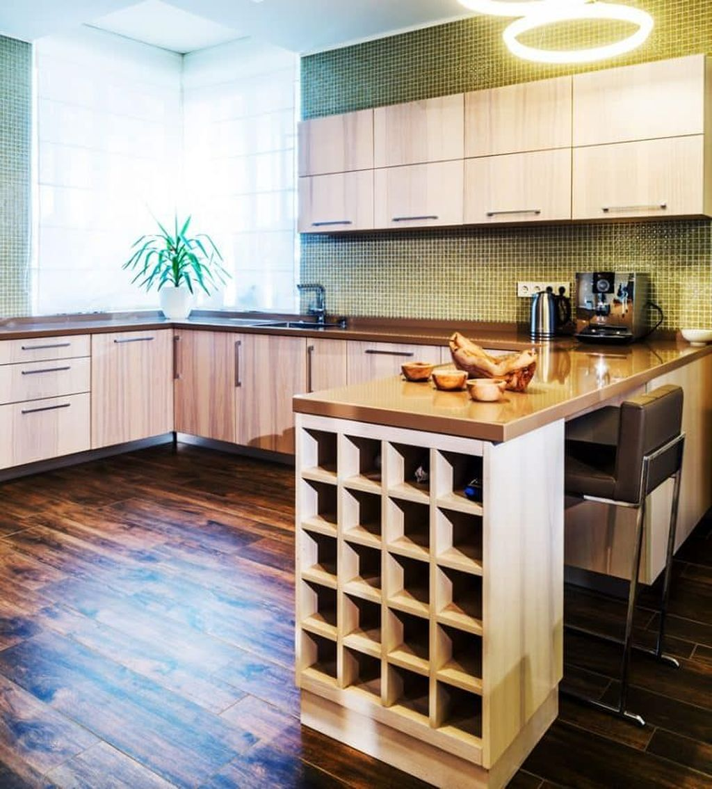 Popular U Shaped Kitchen Design Ideas 27