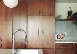 Popular Wooden Cabinets Design Ideas For Your Kitchen Decor 13