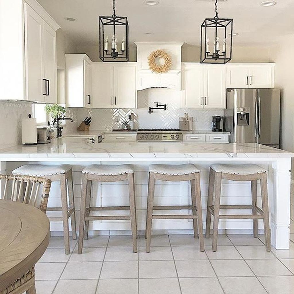 Wonderful Kitchen Lighting Ideas To Make It Look More Beautiful 11